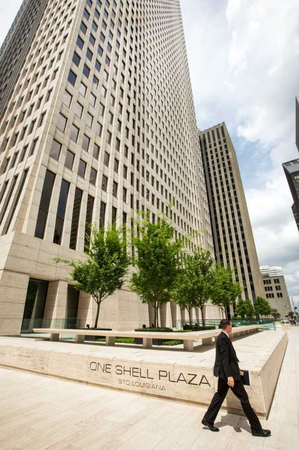 """About 3,400 employees from Shell Oil Co. will be leaving the company's One Shell Plaza headquarters in downtown Houston around the beginning of next year."""" Photo: Brett Coomer"""