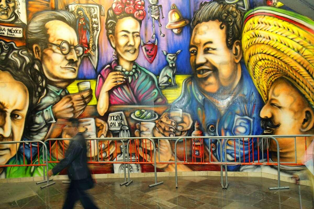 Mexico, Mexico City, Distrito Federal, Zona Rosa, Metro, mural art Alfredo Segatori. (Photo by: Jeffrey Greenberg/UIG via Getty Images)