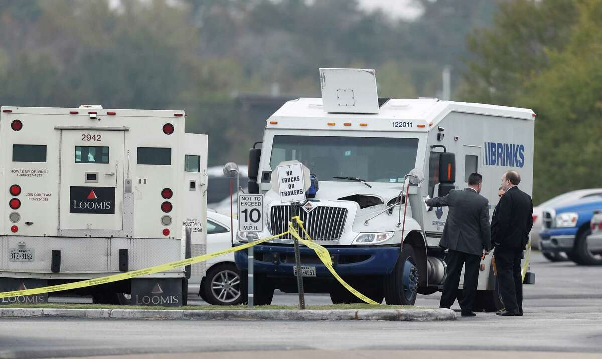 """Houston Police Chief Art Acevedo said there's a """"high probability"""" that the crew involved in Wednesday's heist is connected to the deaths of three guards in the Houston area over the last two years."""