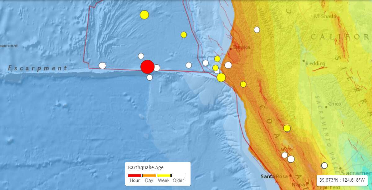 Earthquakes in the region above magnitude 2.5 in the past 30 days. A 6.5 magnitude earthquake (red circle) was recorded off the coast of California on December 8th, 2016.