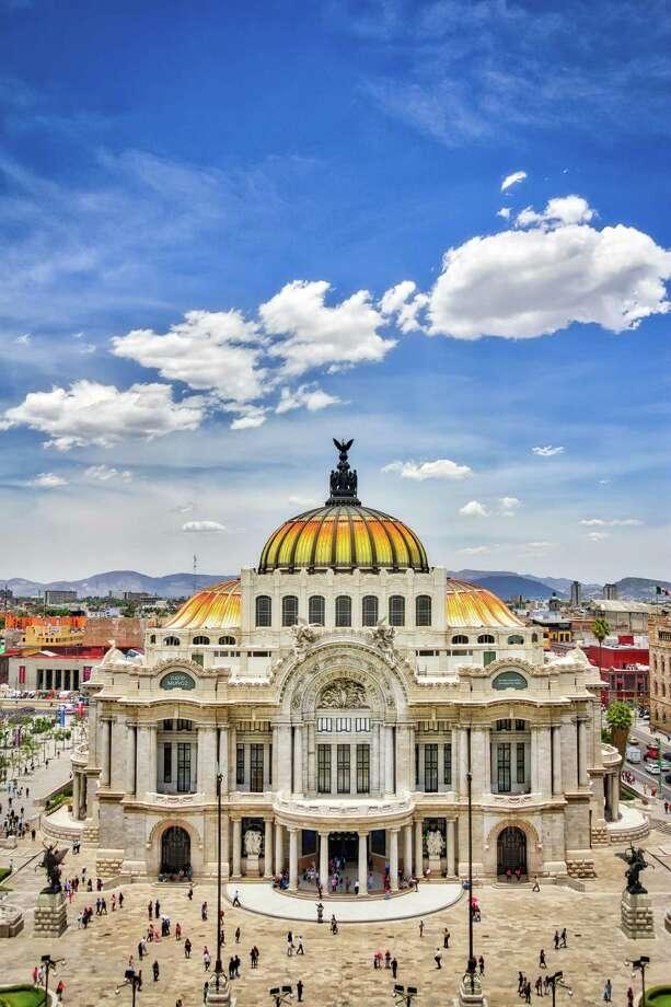 The Palacio de Bellas Artes is a concert hall and museum that was built in 1934. Photo: Sergio Mendoza Hochmann / Sergio Mendoza Hochmann / Getty Images / ©2016 Sergio Alejandro Mendoza Hochmann