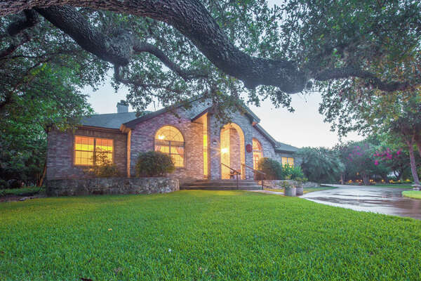 VIEW DETAILS for 1355 Flaming Oak Drive, New Braunfels, TX 78132   
