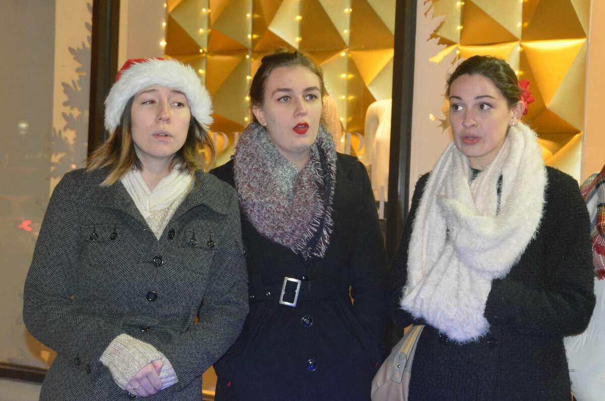 Fairfield's annual Holiday Shop N Stroll was held on December 8, 2016. Adults shopped and dined at Fairfield businesses while kids were invited to enjoy crafts, activities and pizza at