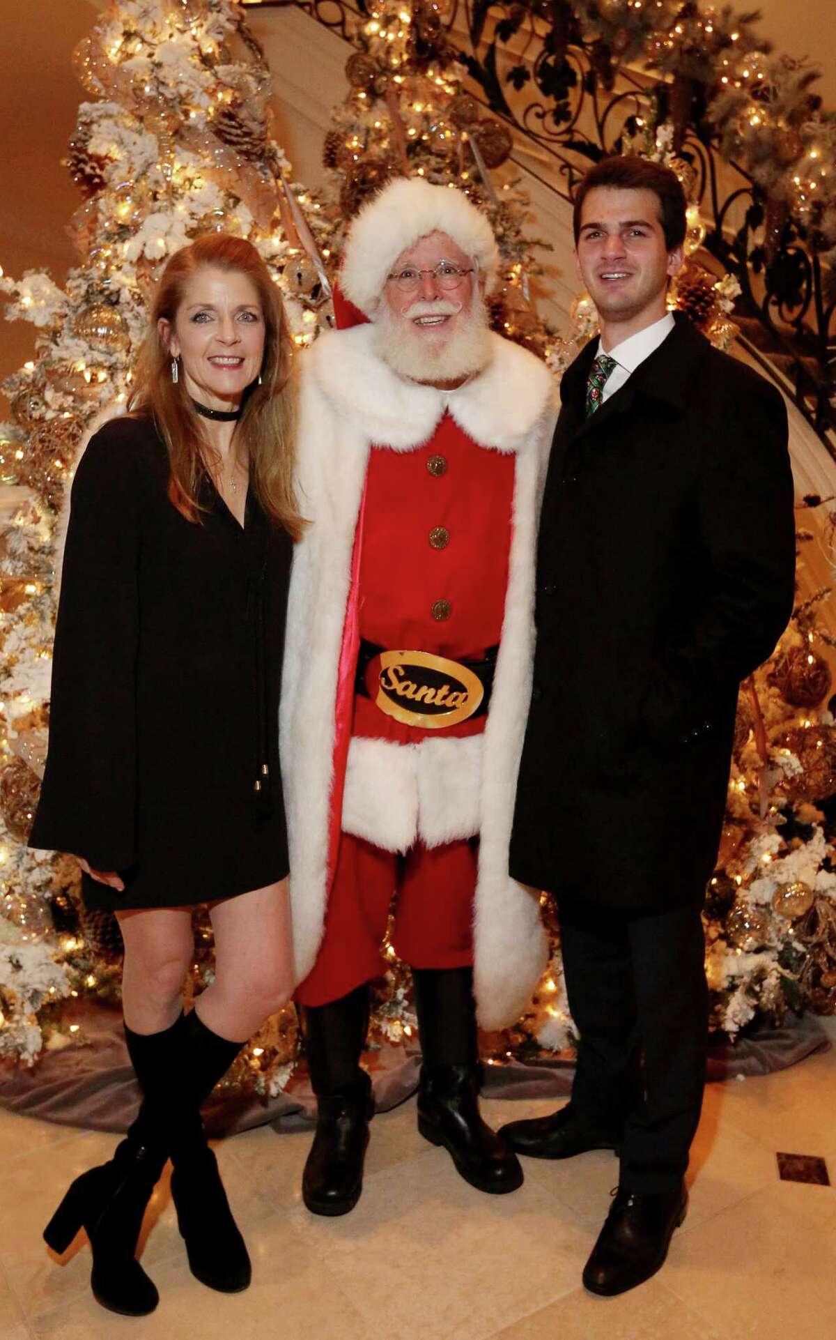 Fertitta, Santa and her son, Michael Fertitta