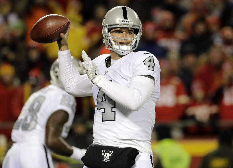 Oakland Raiders quarterback Derek Carr (4) throws during the first half of an NFL football game against the Kansas City Chiefs in Kansas City, Mo., Thursday, Dec. 8, 2016. (AP Photo/Charlie Riedel) Photo: Charlie Riedel, Associated Press