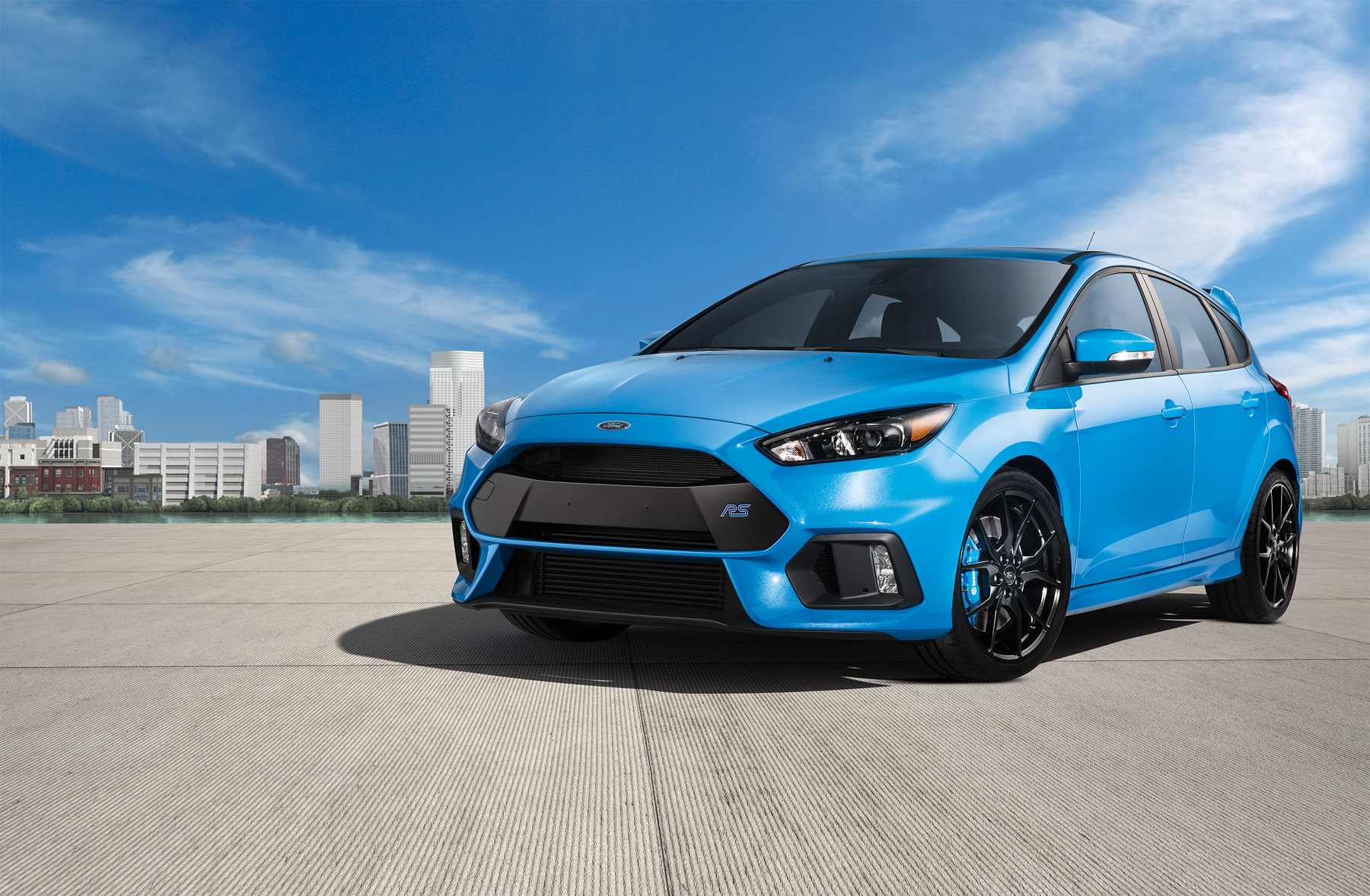 2017 Ford Focus RS shines as hot performance hatch