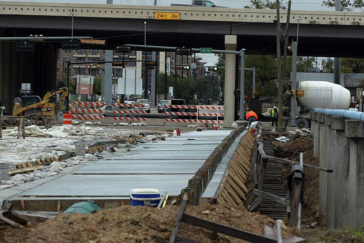 Construction continues on the Yale Street bridge at Interstate 10 Dec. 8, 2016, in Houston.