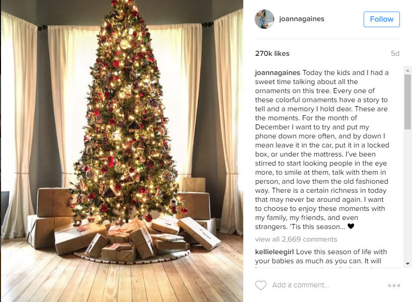 joanna gaines christmas tree is way better than yours houston chronicle - Joanna Gaines Christmas Decor