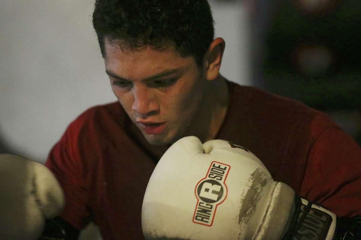 San Antonio's Cresencio Ramos Jr., trains at the Premier Boxing Club on Oct. 12, 2016.
