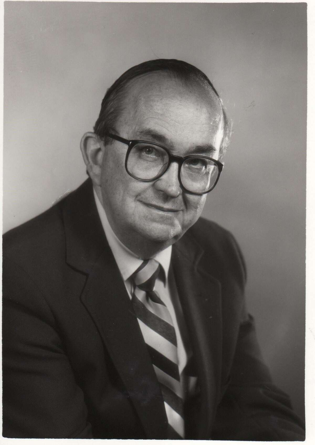 Dick Gentry served as chair of Trinity's journalism, broadcasting and film department.