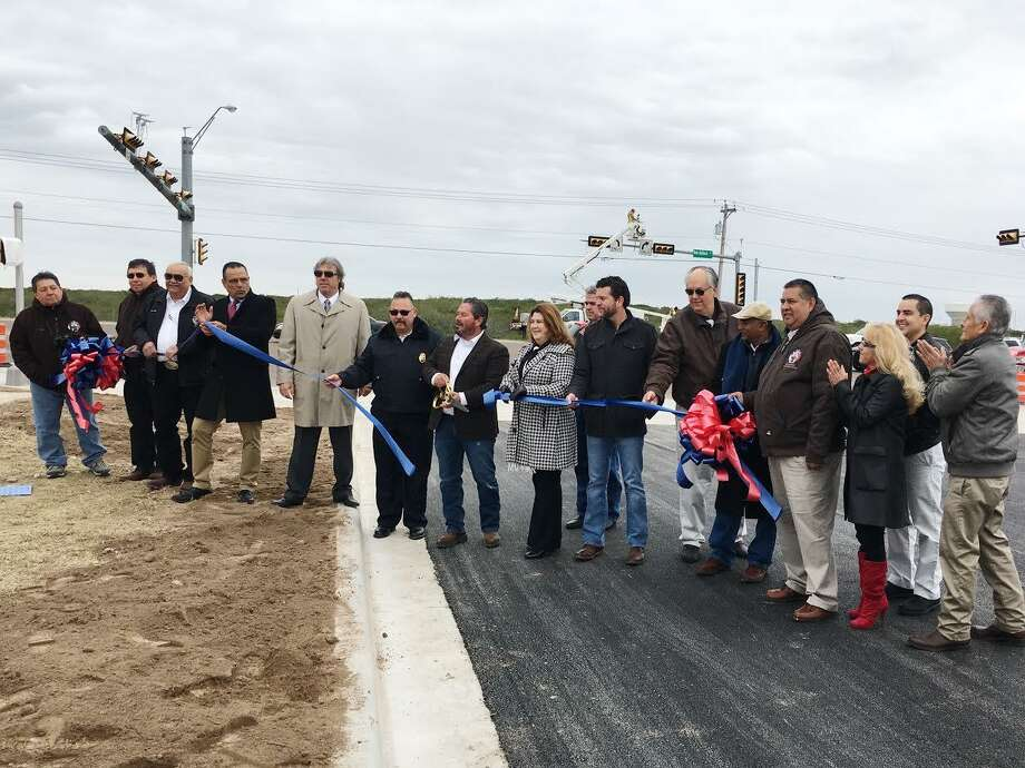 City of Laredo and the Texas Department of Transportation officials held a ribbon-cutting ceremony Friday morning to celebrate the completion of the street improvements of the intersection of Shiloh Drive and Bob Bullock Loop. Photo: /LMT / Copyright 2016. All rights reserved.