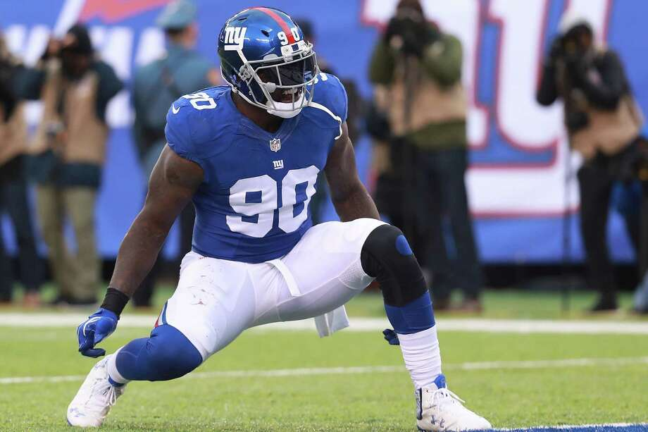 EAST RUTHERFORD, NJ - NOVEMBER 20:  Jason Pierre-Paul #90 of the New York Giants celebrates after a sack against the Chicago Bears during the second half at MetLife Stadium on November 20, 2016 in East Rutherford, New Jersey.  (Photo by Michael Reaves/Getty Images) ORG XMIT: 663931235 Photo: Michael Reaves / 2016 Getty Images