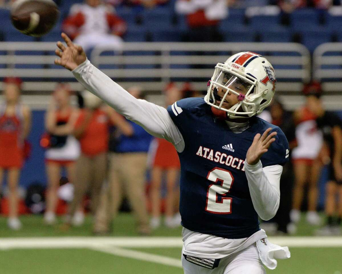 Daveon Boyd (2) of Atascocita releases a pass in the first half of the Conference 6A Division I State Semi-Final playoff game between the Atascocita Eagles and the Lake Travis Cavaliers on Saturday December 10, 2016 at the Alamodome, San Antonio, TX.