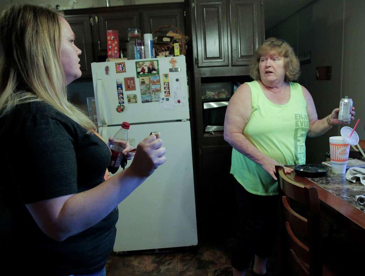 Cheryl Nunn talks to her daughter, Cheynanne in their home just outside Texarkana,on Saturday, Nov. 12, 2016. ( Elizabeth Conley / Houston Chronicle )