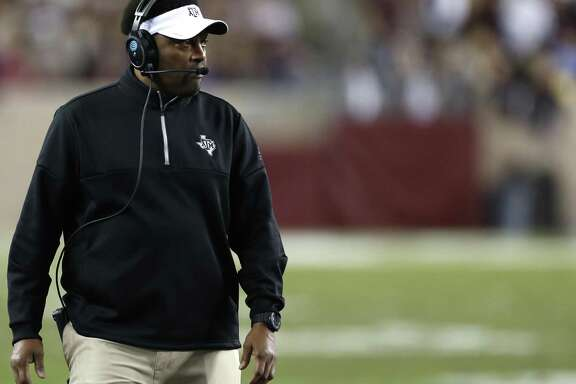 Kevin Sumlin will lead Texas A&M against old Big 12 rival Kansas State in the Texas Bowl.
