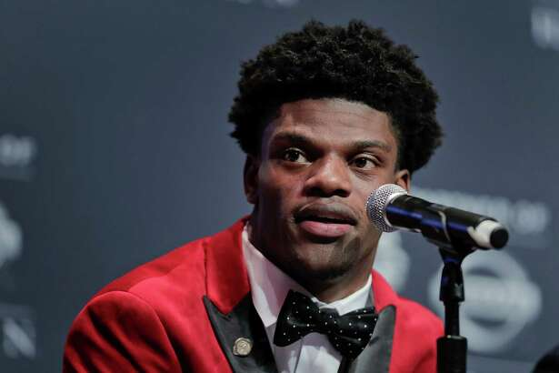 Louisville's Lamar Jackson answers questions during a news conference before the Heisman Trophy award ceremony Saturday, Dec. 10, 2016, in New York.