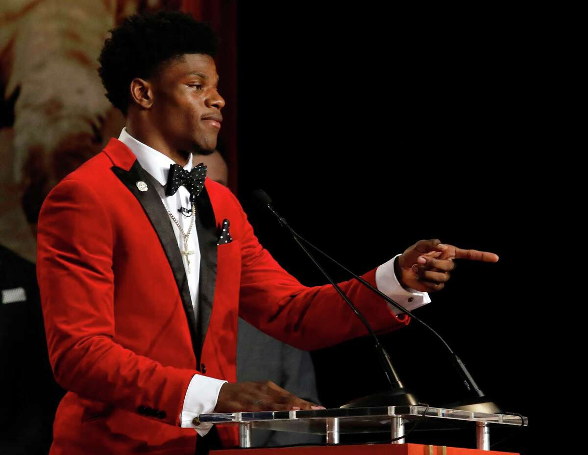 NEW YORK, NY - DECEMBER 10: Quarterback Lamar Jackson of the Louisville Cardinals speaks after being named the 82nd Heisman Memorial Trophy Award winner during the 2016 Heisman Trophy Presentation at the Best Buy Theater on December 10, 2016 in New York City.