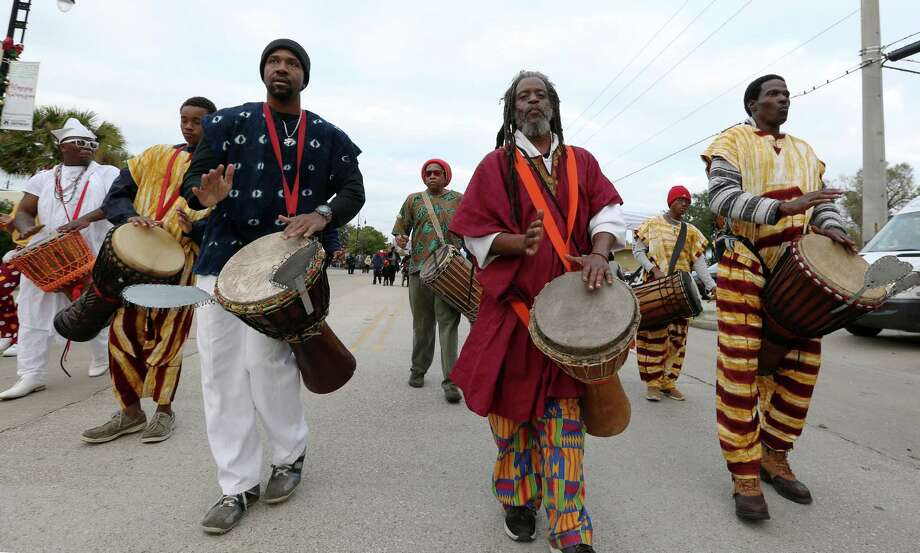 Kwanzaa Community Drummers perform along Almeda Road at the Third Annual Holiday Tree Lighting & Kwanzaa Celebration in Third Ward Saturday, Dec. 10, 2016, in Houston. Photo: Yi-Chin Lee, Houston Chronicle / © 2016  Houston Chronicle