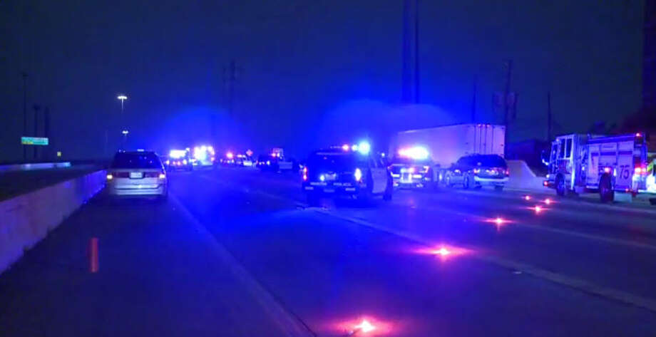 Gunshots rang out on Southwest Freeway after a fender bender gave way to road rage. Photo: Metro Video