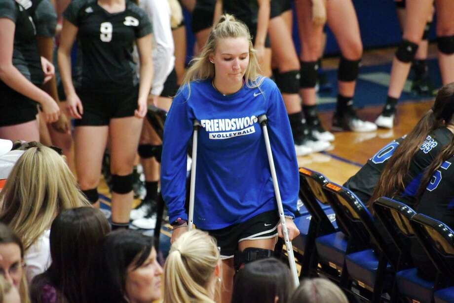 Friendswood's Kelly Colwell (5), injured earlier this season, is one of hundreds of FHS athletes attended to by head athletic trainer Megan Duncan and her staff. Photo: Kirk Sides / © 2016 Kirk Sides / Houston Community Newspapers