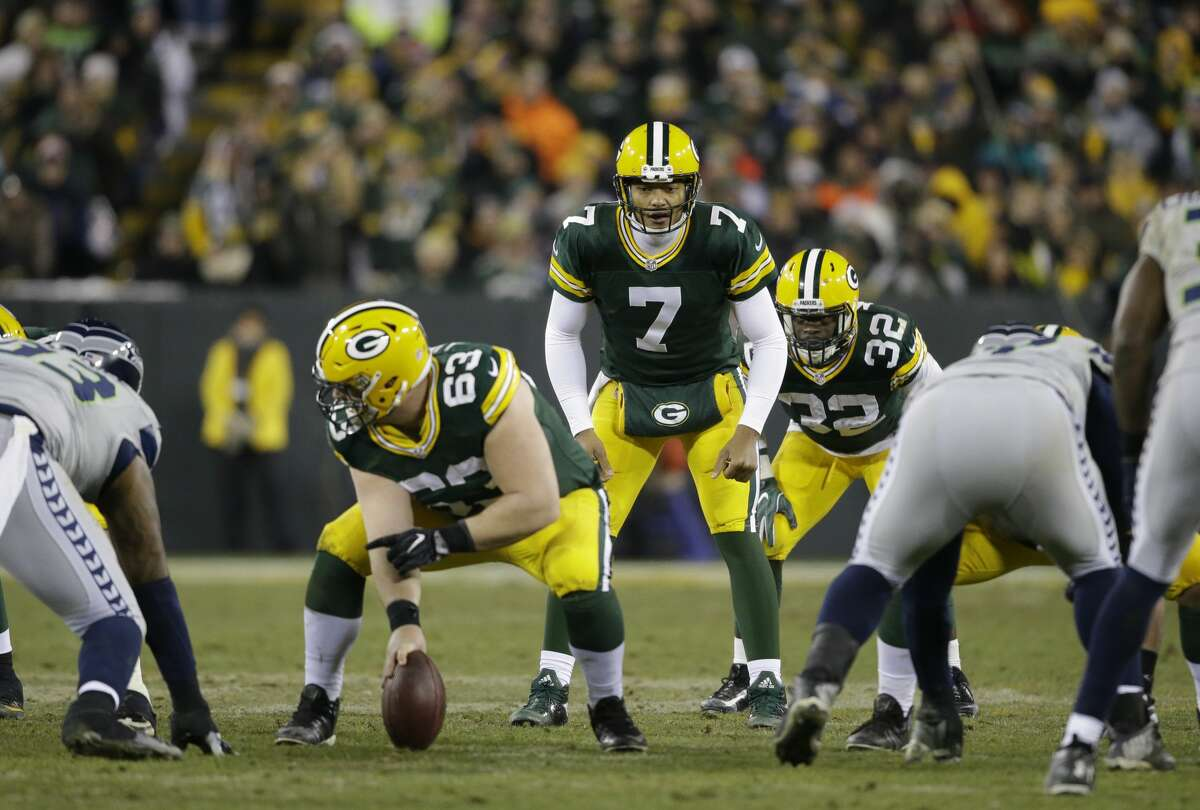 Green Bay Packers' Brett Hundley takes a snap during the second half of an NFL football game against the Seattle Seahawks Sunday, Dec. 11, 2016, in Green Bay, Wis. (AP Photo/Jeffrey Phelps)