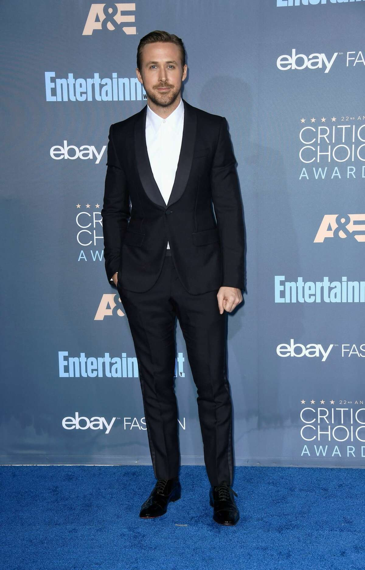 SANTA MONICA, CA - DECEMBER 11: Actor Ryan Gosling attends The 22nd Annual Critics' Choice Awards at Barker Hangar on December 11, 2016 in Santa Monica, California. (Photo by Frazer Harrison/Getty Images)