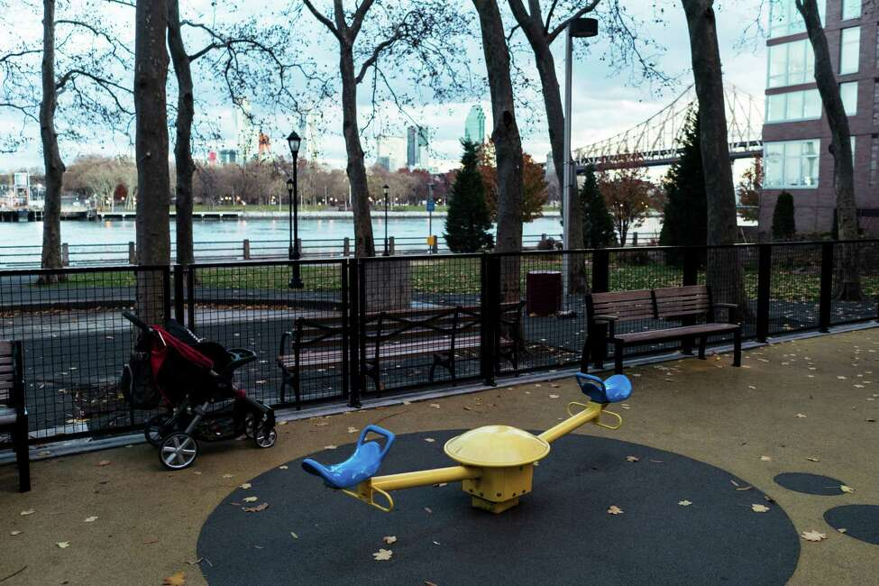 A modern seesaw at Blackwell playground on Roosevelt Island in New York, Nov. 27, 2016. Because of safety concerns and changing tastes, only a few traditional seesaws can be found in New York CityOs public playgrounds. (An Rong Xu/The New York Times) ORG XMIT: XNYT9