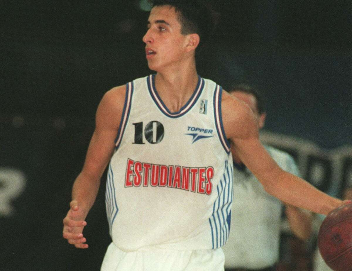 1997: Manu Ginobili playing for Argentina's Estudiantes de Bahia Blanca.