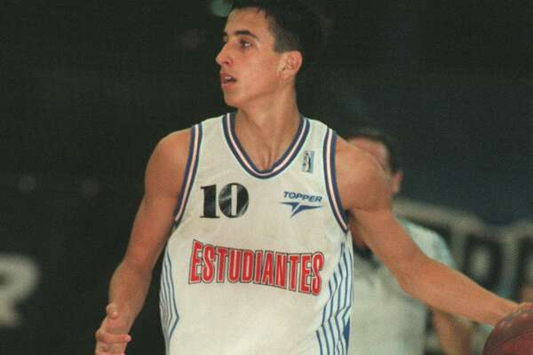 Manu Ginobili playing for Argentina's Estudiantes de Bahia Blanca in 1997.