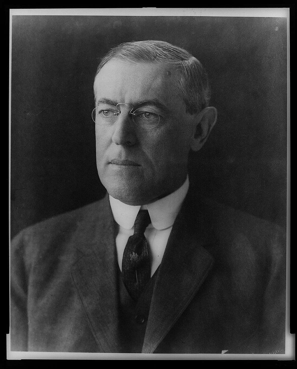 Woodrow Wilson, head-and-shoulders portrait, facing left /Pach Bros., N.Y. [President Wilson arrived in France on December 13, 1918, becoming the first chief executive to visit Europe while in office.] Pach Brothers. CREATED/PUBLISHED: c1912 Dec. 2. MEDIUM: 1 photographic print. CALL NUMBER Item in PRES FILE - Wilson, Woodrow--Photo--Bust REPRODUCTION NUMBER LC-USZ62-13028 DLC (b&w film copy neg. of cropped image) LC-USZ62-249 DLC (b&w film copy neg.) REPOSITORY Library of Congress Prints and Photographs Division Washington, D.C. 20540 USA DIGITAL ID (b&w film copy neg. of cropped image) cph 3a55007 (b&w film copy neg.) cph 3a04218