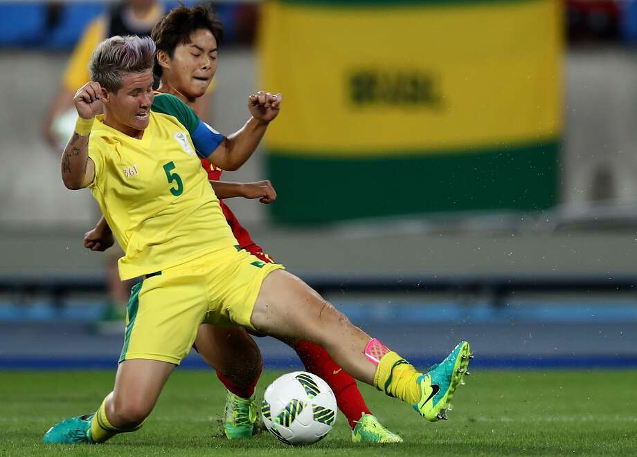 Janine Van Wyk (5) made her debut for the Dash on Saturday and helped the defense get a clean sheet. Her teammates and coach Randy Waldrum complimented her contribution to the improved defense. Photo: Buda Mendes/Getty Images