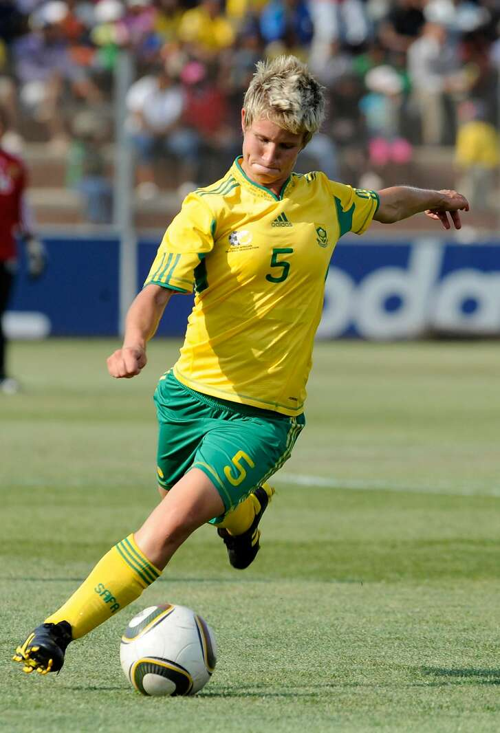 EKURHULENI, SOUTH AFRICA - OCTOBER 09:  Janine Van Wyk of South Africa in action during the international friendly match between South Africa and Mali at Makhulong Stadium on October 9, 2010 in Ekurhuleni, South Africa.  (Photo by Lefty Shivambu/Gallo Images/Getty Images)