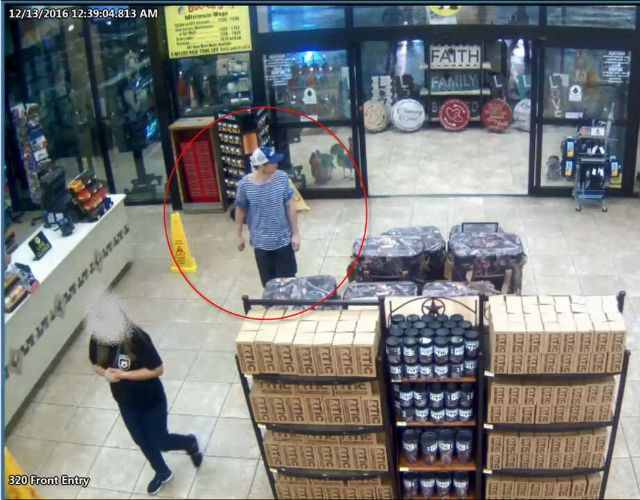 Escaped convict Dominic Potter shown in surveillance video from the Buc-ee's store in Madisonville, Texas, early Tuesday, Dec. 13, 2016. (Courtesy of Buc-ee's)