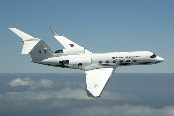 Een Gulfstream IV van de Koninklijke Luchtmacht