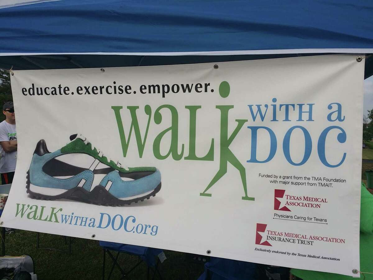 """Â?""""Walk with a DocÂ?"""" is a global program where doctors walk with their patients in order to promote healthy living styles."""