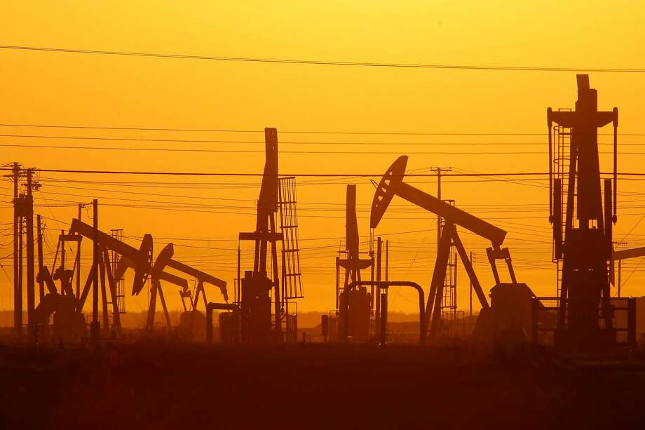 Oil wells are seen over the Monterey Shale formation in California's Central Valley. Photo: David McNew, Getty Images