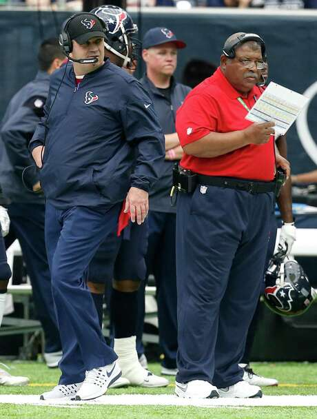 Texans coach Bill O'Brien left, and defensive coordinator Romeo Crennel have overcome obstacles, including key injuries, this season. Photo: Brett Coomer, Staff / © 2016 Houston Chronicle