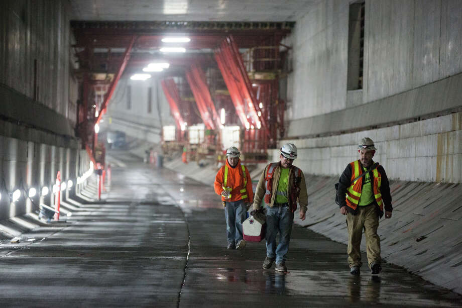 The upper, southbound roadway in the SR-99 tunnel photographed on Tuesday, Dec. 13, 2016. Photo: GRANT HINDSLEY, SEATTLEPI.COM / SEATTLEPI.COM