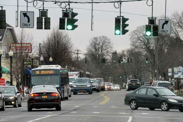 Traffic at the intersection of S. Manning Blvd. and New Scotland Ave. Tuesday Dec. 13, 2016 in Albany, NY.  (John Carl D'Annibale / Times Union)