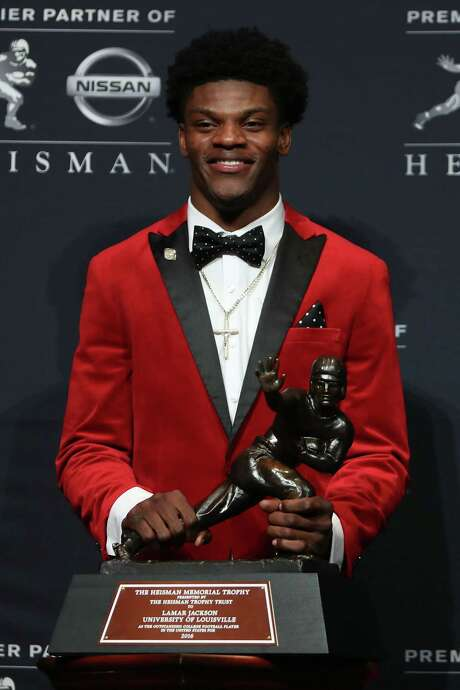 NEW YORK, NY - DECEMBER 10:  Lamar Jackson of the Louisville Cardinals poses for a photo after being named the 82nd Heisman Memorial Trophy Award winner during the 2016 Heisman Trophy Presentation at the Marriott Marquis on December 10, 2016 in New York City.  (Photo by Michael Reaves/Getty Images) Photo: Michael Reaves, Stringer / 2016 Getty Images