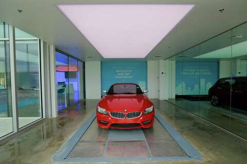 New Carvana tower aims to make car buying 'fun' - Houston