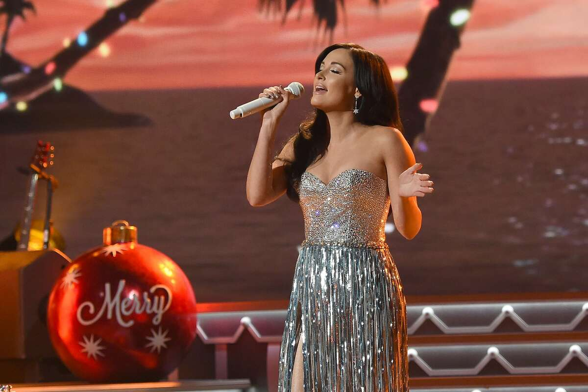 kacey musgraves a very kacey christmas review