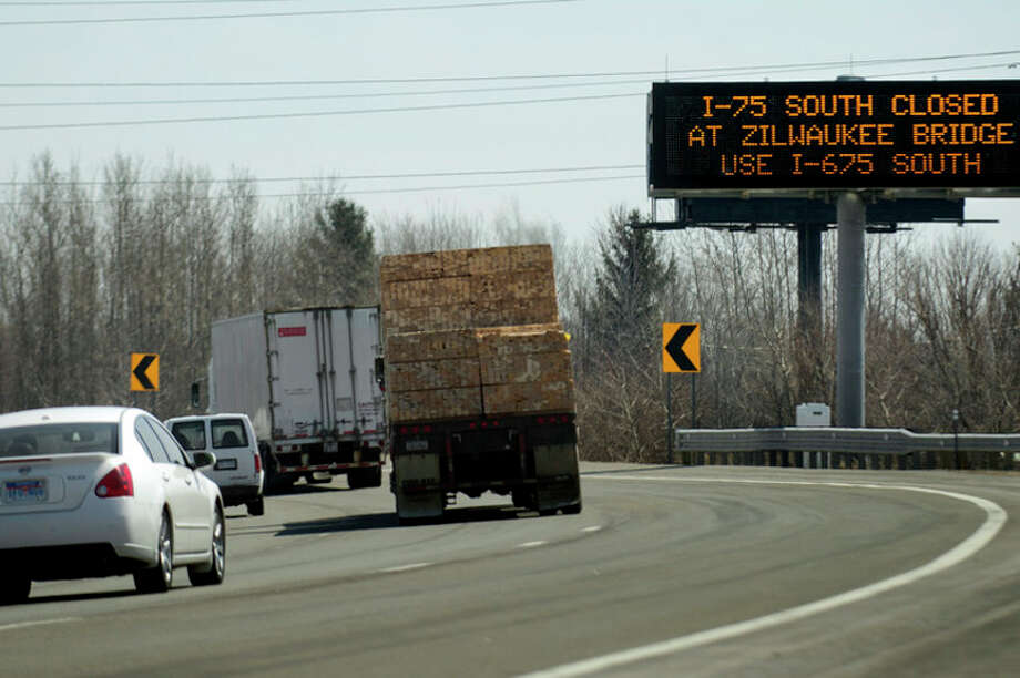 In Saginaw County, from April to November, crews will reconstruct 1 mile of I-75 and I-675 at the north junction. Expect lane closures and traffic shifts. (2014 file photo)