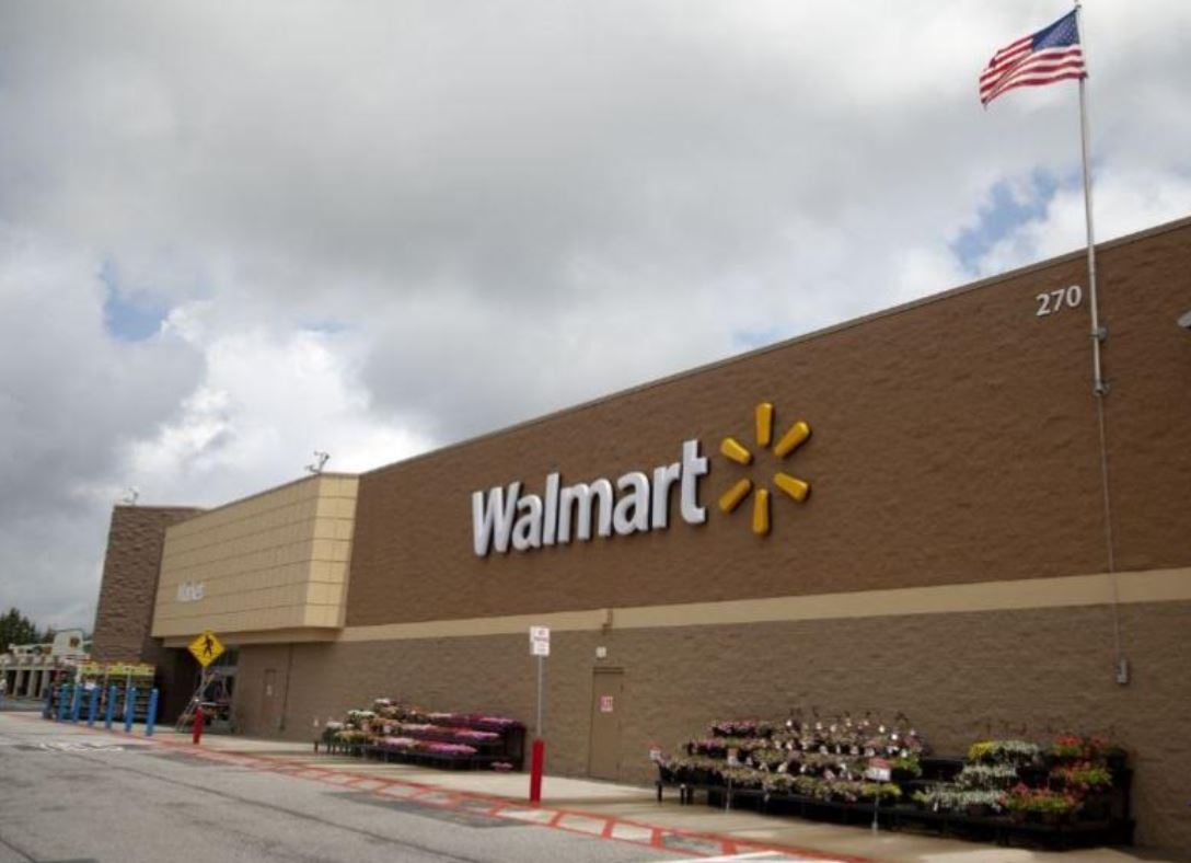 confetti bomb toy forces texas walmart evacuation