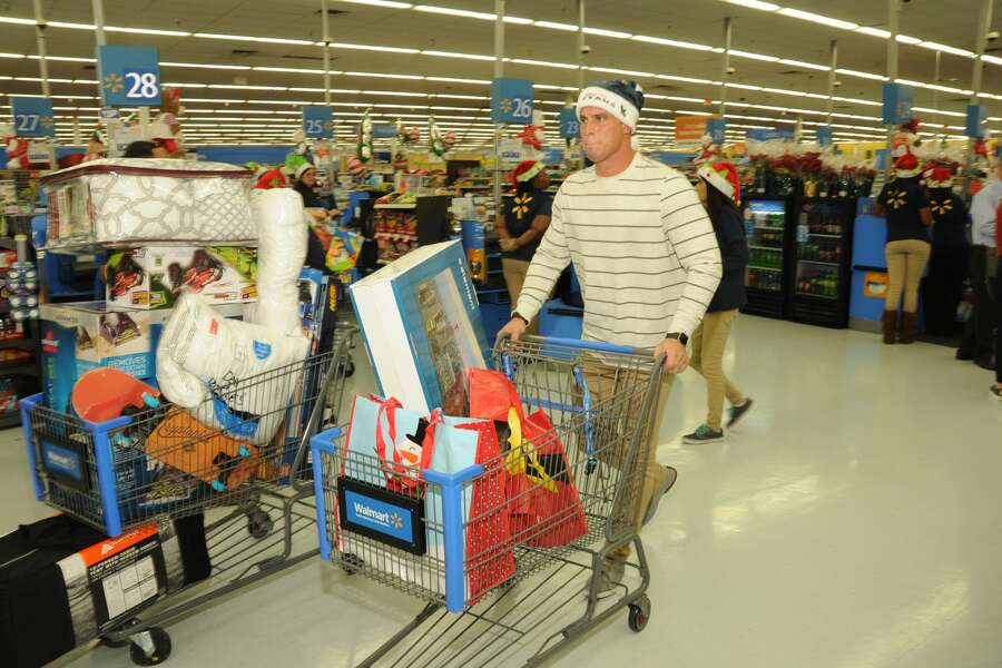 superior quality de173 6a42f Texans' Brian Cushing surprises families with shopping spree ...