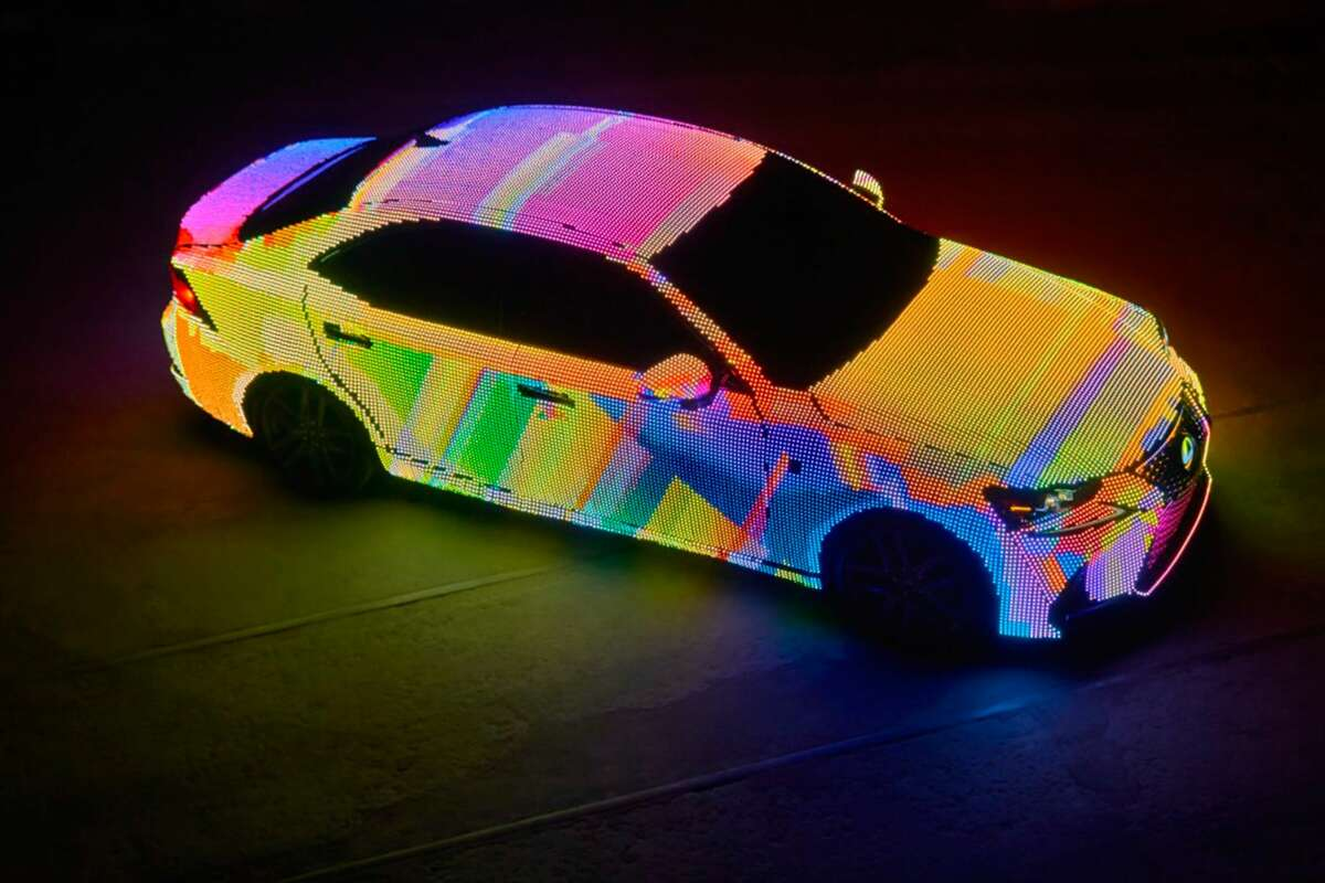 To highlight the new design of the IS, Lexus revealed a custom vehicle wrapped in 41,999 programmable LEDs.