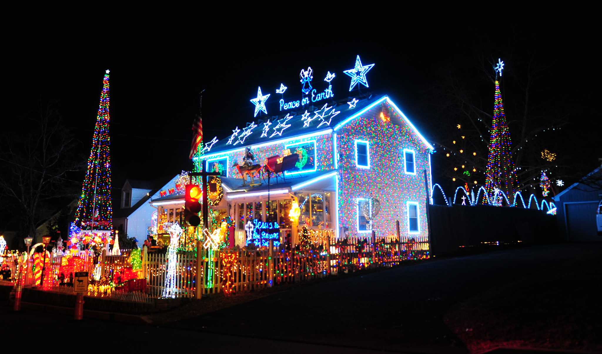 What your Christmas lights will do to your electricity bill ...