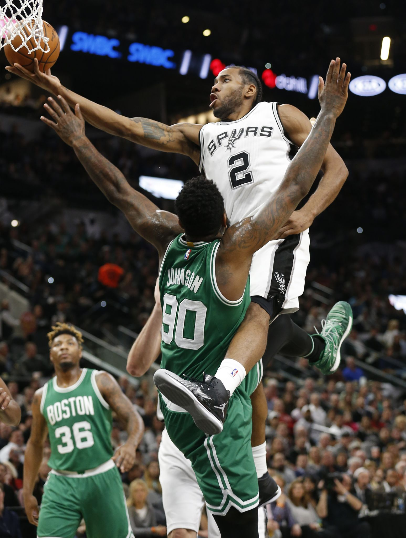Kawhi Leonard Tony Parker Help Spurs Escape Celtics San