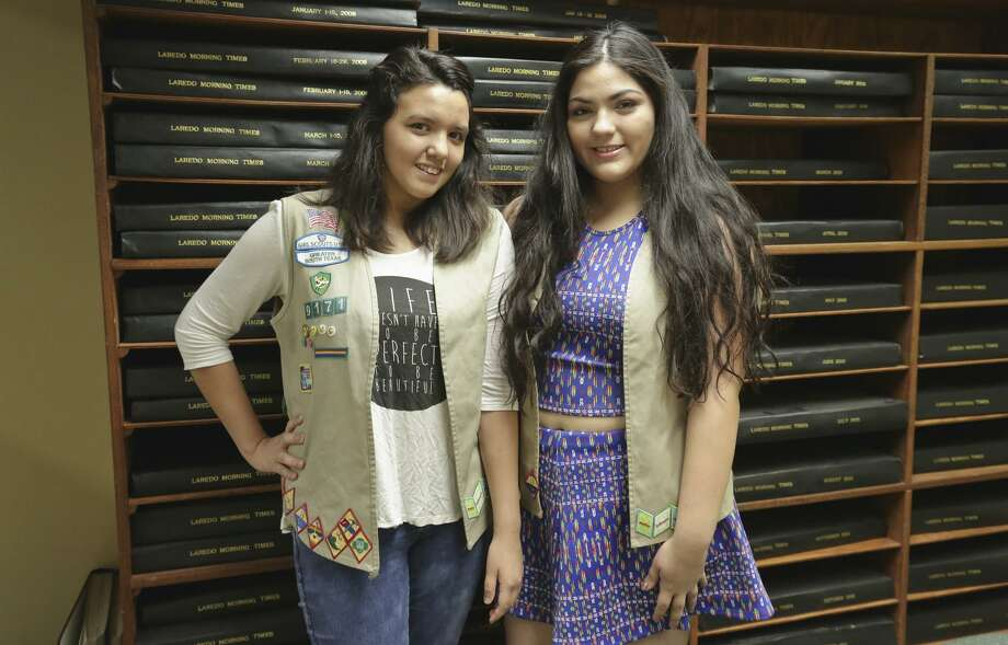 Lauresther Medina-Jimenez y Kyara Carrillo. Photo: Foto Por Victor Strife Tiempo De Laredo / Laredo Morning Times