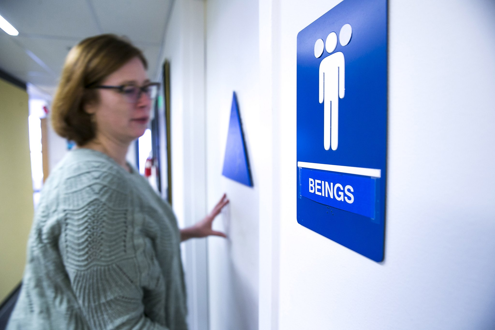 Incredible Minimum Wage All Gender Restrooms Among 2017 Ca Workplace Interior Design Ideas Ghosoteloinfo